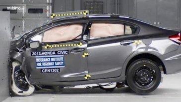 Mobil Baru Mudah Hancur Saat Tabrakan, Ini Penjelasannya