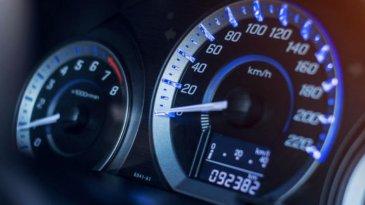 Mengetahui Cara Kerja Speedometer Pada Mobil Dan Perawatannya