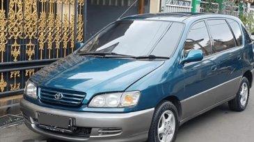Spesifikasi Toyota Ipsum 1999 : Mobil 90-an Punya Double Sunroof