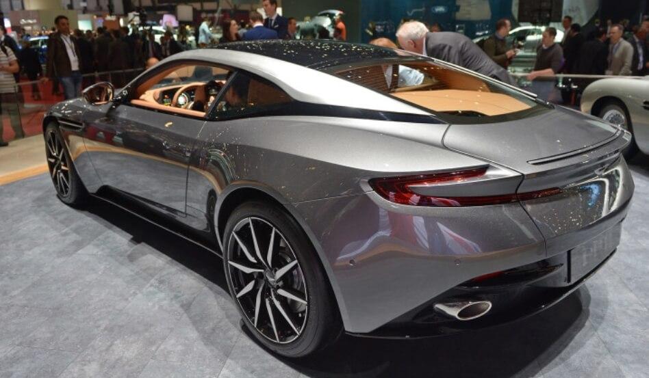 Supercar Aston Martin Db11 Siap Meluncur Di Indonesia Mau Tahu Harganya