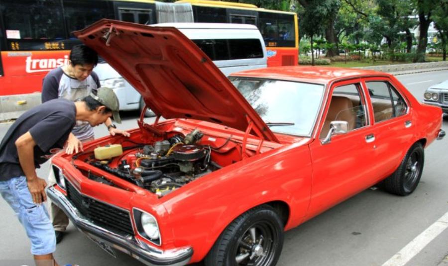 Hasil gambar untuk tips merawat mobil tua